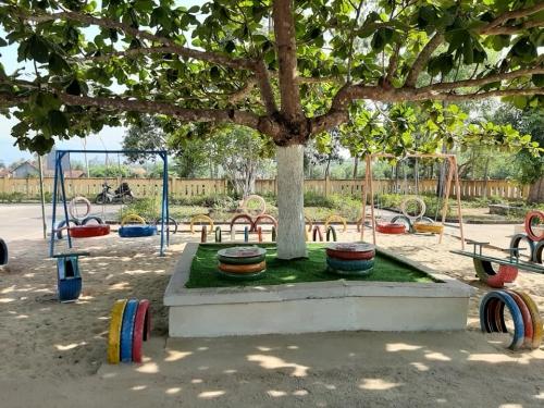 Bàn giao công trình khu vui chơi thiếu nhi kỷ niệm 79 năm Ngày thành lập Đội TNTP Hồ Chí Minh, 130 năm sinh nhật Bác