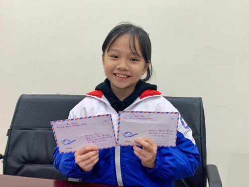 Học sinh lớp 4 viết thư gửi Thủ tướng và ủng hộ tiền mừng tuổi mua khẩu trang phát miễn phí