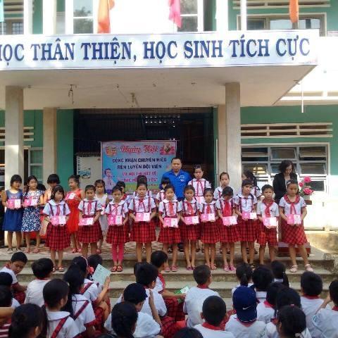 Hội đồng Đội xã Quế Xuân 1 tổ chức Ngày hội công nhận chuyên hiệu rèn luyện Đội viên