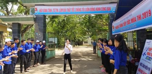 """Kết quả tháng thứ tư (tháng 6) Cuộc thi ảnh """"Khoảnh khắc tình nguyện""""  huyện Quế Sơn năm 2019"""