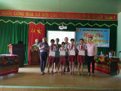 Ngày hội em yêu Lịch sử Việt nam