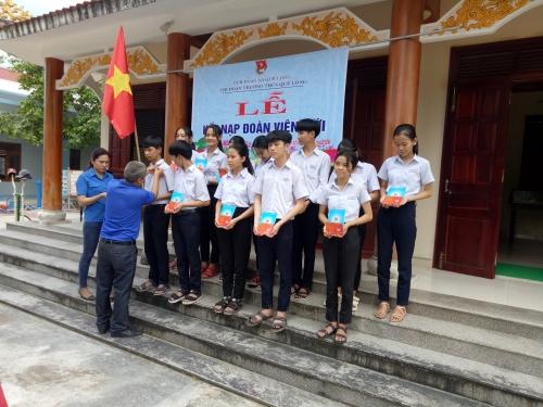 Quế Long: Kết nạp đoàn viên mới nhân dịp kỷ niệm 130 năm ngày sinh Chủ tịch Hồ Chí Minh