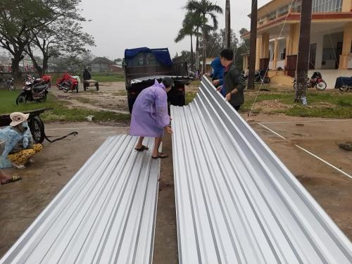 """Quế Sơn đồng hành cùng chương trình """"Dựng lại mái nhà, mái trường cho vùng bão lũ"""" của Báo Tuổi trẻ"""