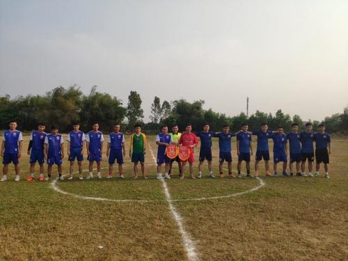 Quế Xuân 1: Trao học bổng, tặng quà GĐCS và giao lưu bóng đá kỷ niệm 88 năm thành lập Đoàn