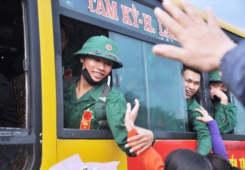 Sáng nay 10.2, gần 2.500 thanh niên Quảng Nam lên đường nhập ngũ
