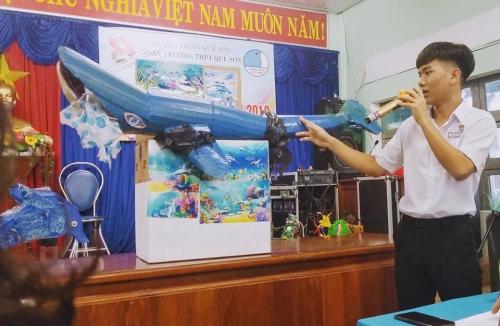 """THPT Quế Sơn tổ chức cuộc thi  """"Thiết kế mô hình từ rác thải nhựa"""""""