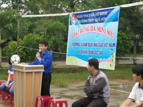 Trường THPT Quế Sơn tổ chức các hoạt động.