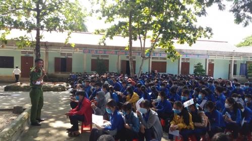Tuyên truyền, phổ biến GDPL cho ĐVTN học sinh