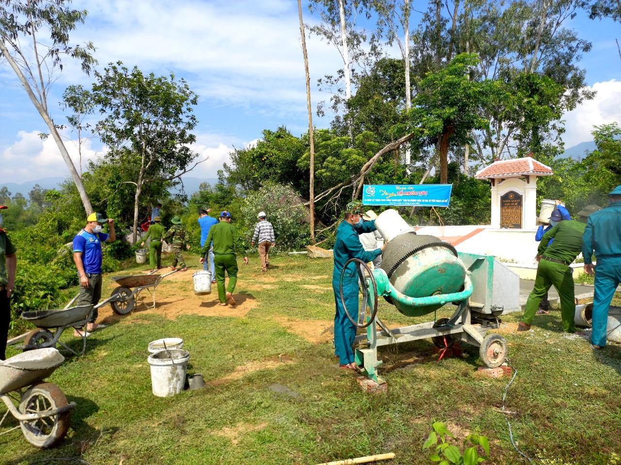 Tuổi trẻ Quế Sơn ra quân xây dựng Công trình Thanh niên cấp huyện chào mừng kỷ niệm 65 năm Ngày truyền thống Hội LHTN Việt Nam